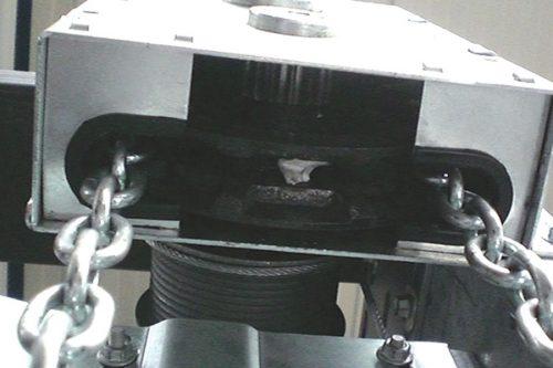 Guttomat – Die Tormanufaktur – Einzigartige Sektionaltore Made in Austria - Das Industrietor Industry - Handkettenzug